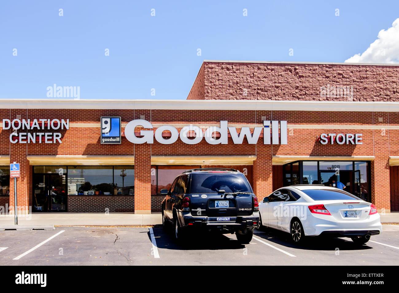 The exterior of a Goodwill Donaltion Center in Oklahoma City, Oklahoma, USA. - Stock Image