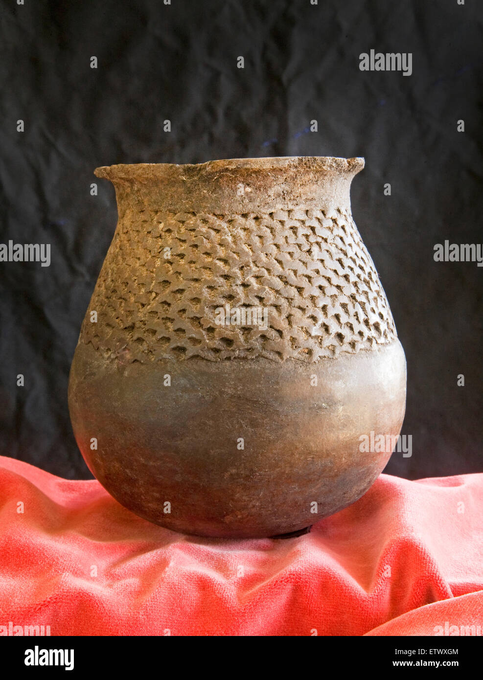 An example of thousand year old Mogollon Indian pottery called Mogollon Brown Ware, dating from around 1050-1250 - Stock Image