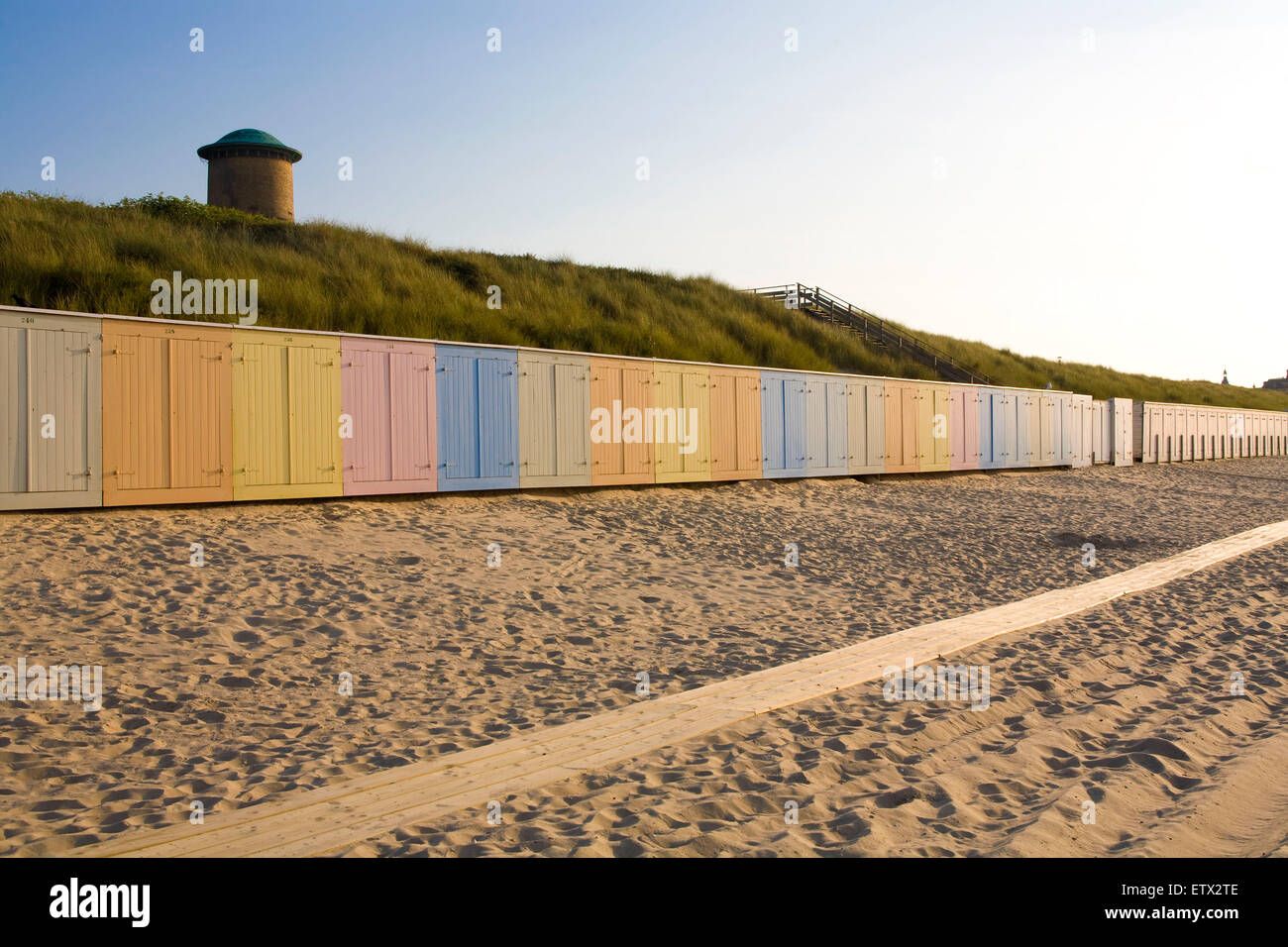 Europe, Netherlands, old water tower in the dunes in Domburg on the peninsula Walcheren, beach cabins.  Europa, - Stock Image