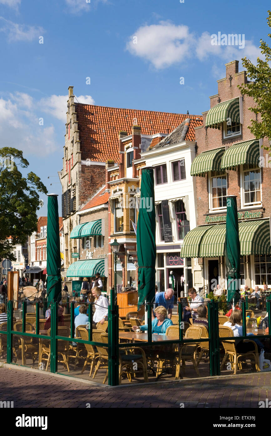 Europe, Netherlands, Zeeland, Zierikzee on the peninsula Schouwen-Duiveland, houses at the market square.  Europa, - Stock Image