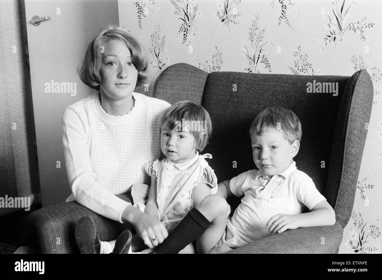 Mrs Gillian Wombwell, wife of murdered Detective Constable David Wombwell aged 25, pictured at home,  with children, - Stock Image