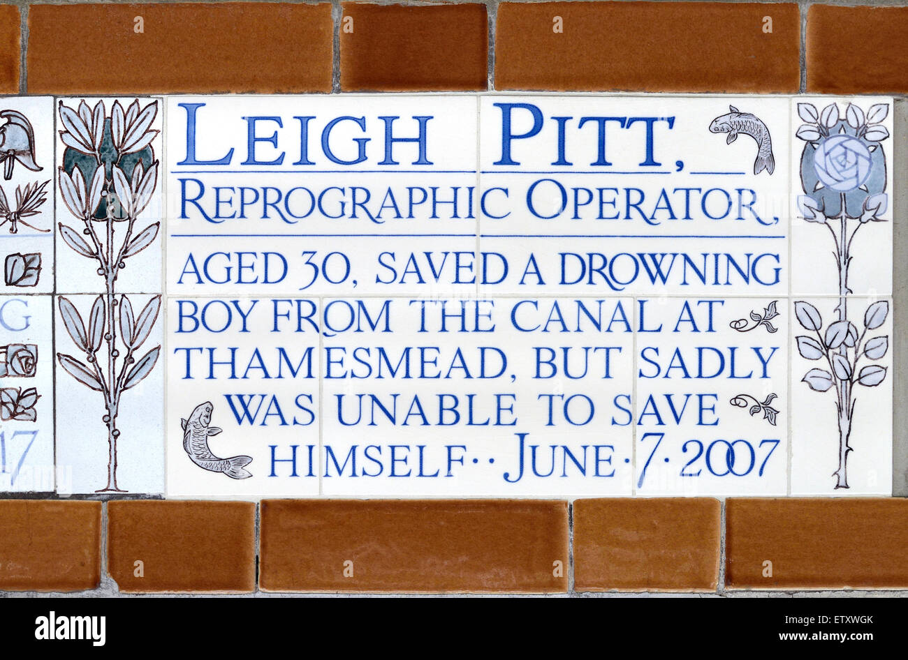 London, England, UK. The Memorial to Heroic Self Sacrifice in Postman's Park, north of St Paul's Cathedral. - Stock Image
