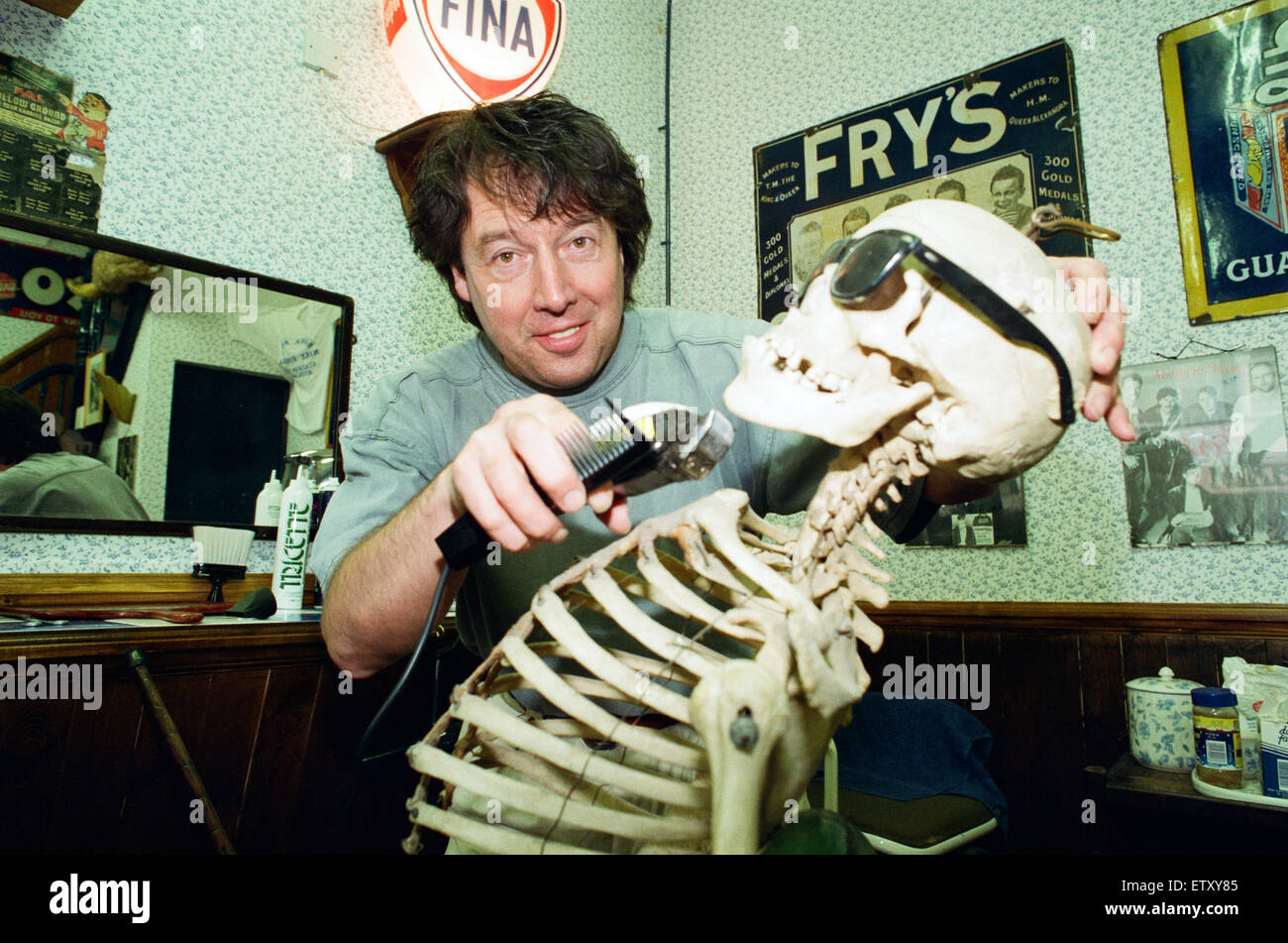 It's a case of shaving close to the bone as Redcar demon barber Mike Forbes gets to work with a skeleton staff. - Stock Image