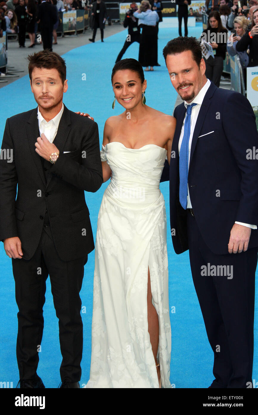 is kevin connolly dating emmanuelle chriqui