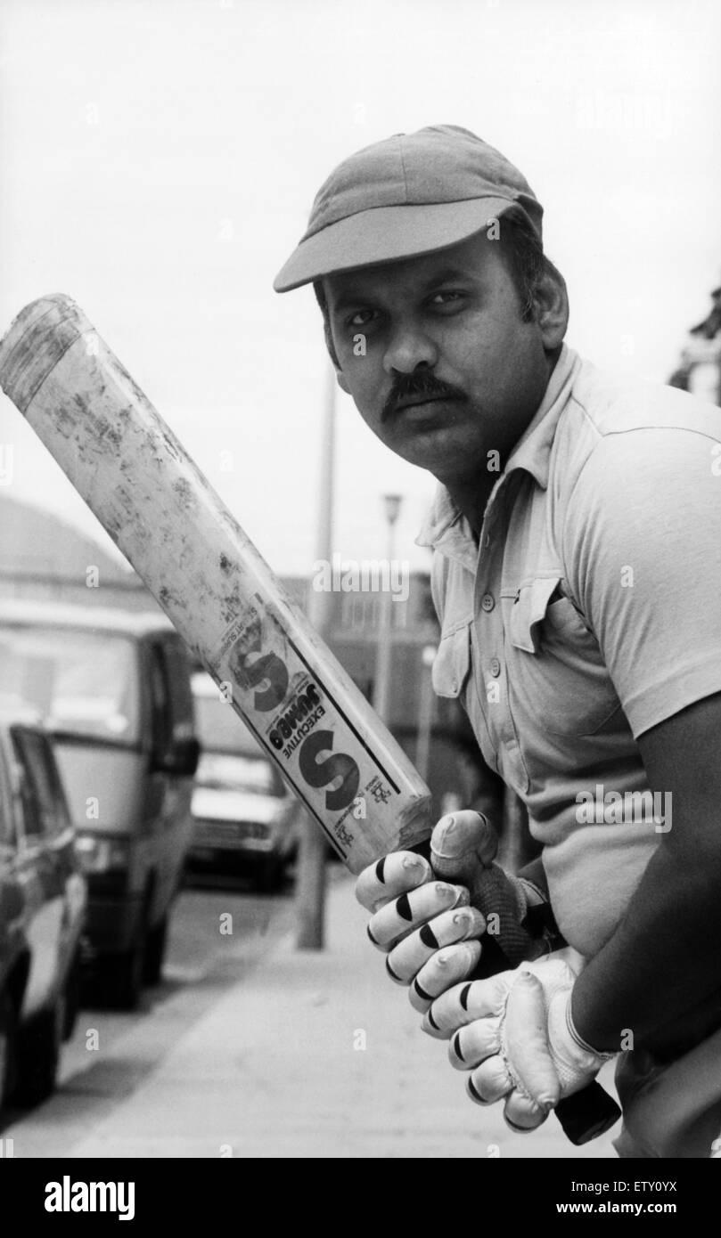 Khwaja Akhtar Hussain, batsman for Boro Electronics. 18th July 1987. - Stock Image