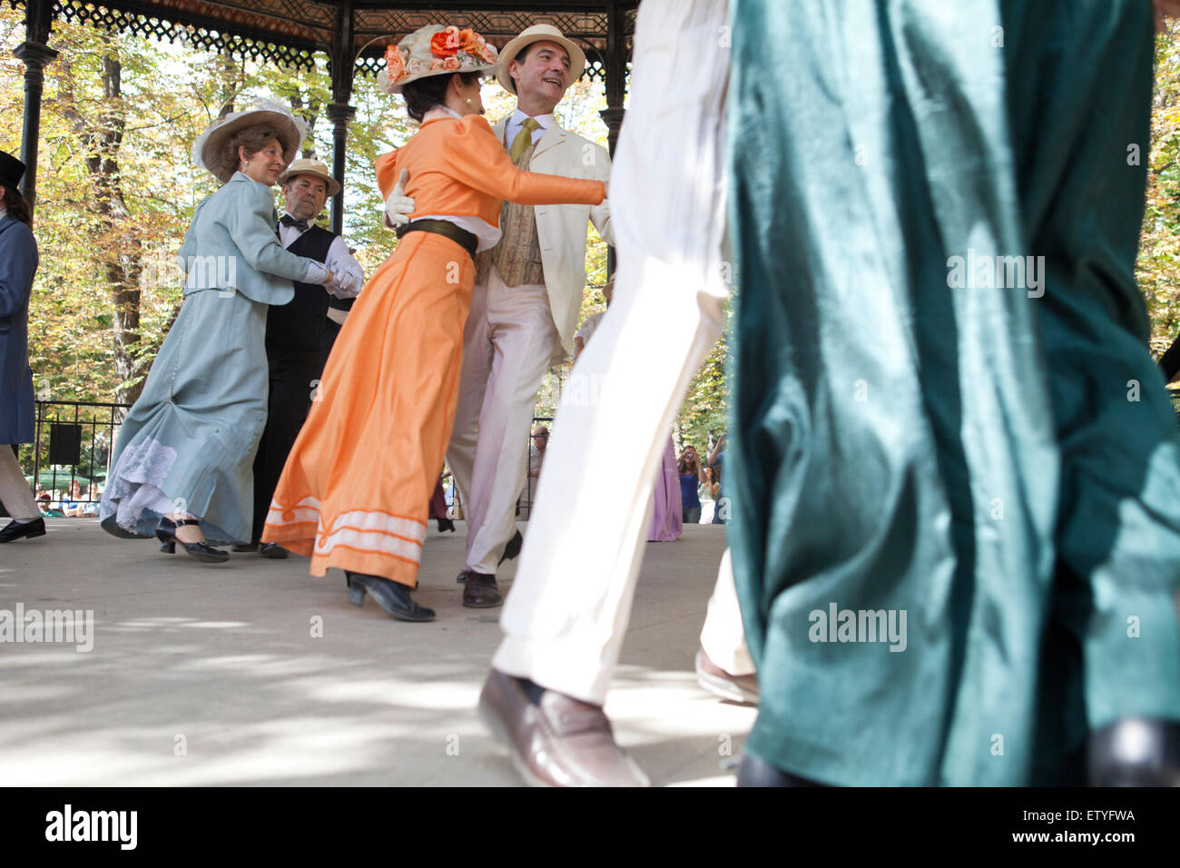 Old fashioned dance at the Jardins de Luxembourg in Paris. Afternoon show for tourists. France - Stock Image