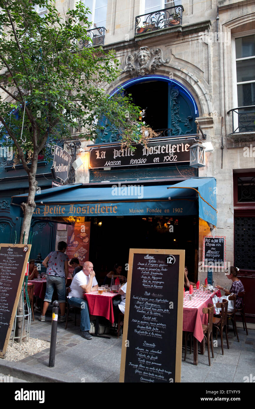 Small restaurant in the Quartier Latin, Paris France - Stock Image