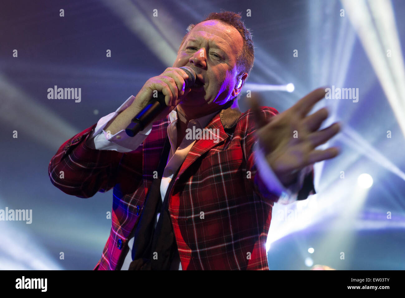Simple Minds performing live at The Auditorium in Grimsby  Featuring: Jim Kerr Where: Grimsby, United Kingdom When: - Stock Image