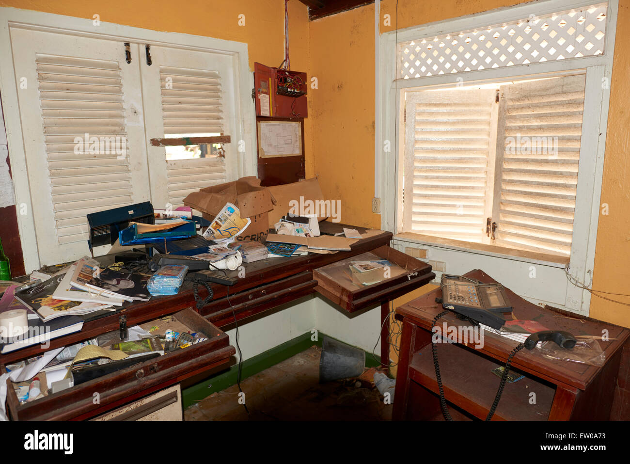 Abandoned office with furniture - Stock Image