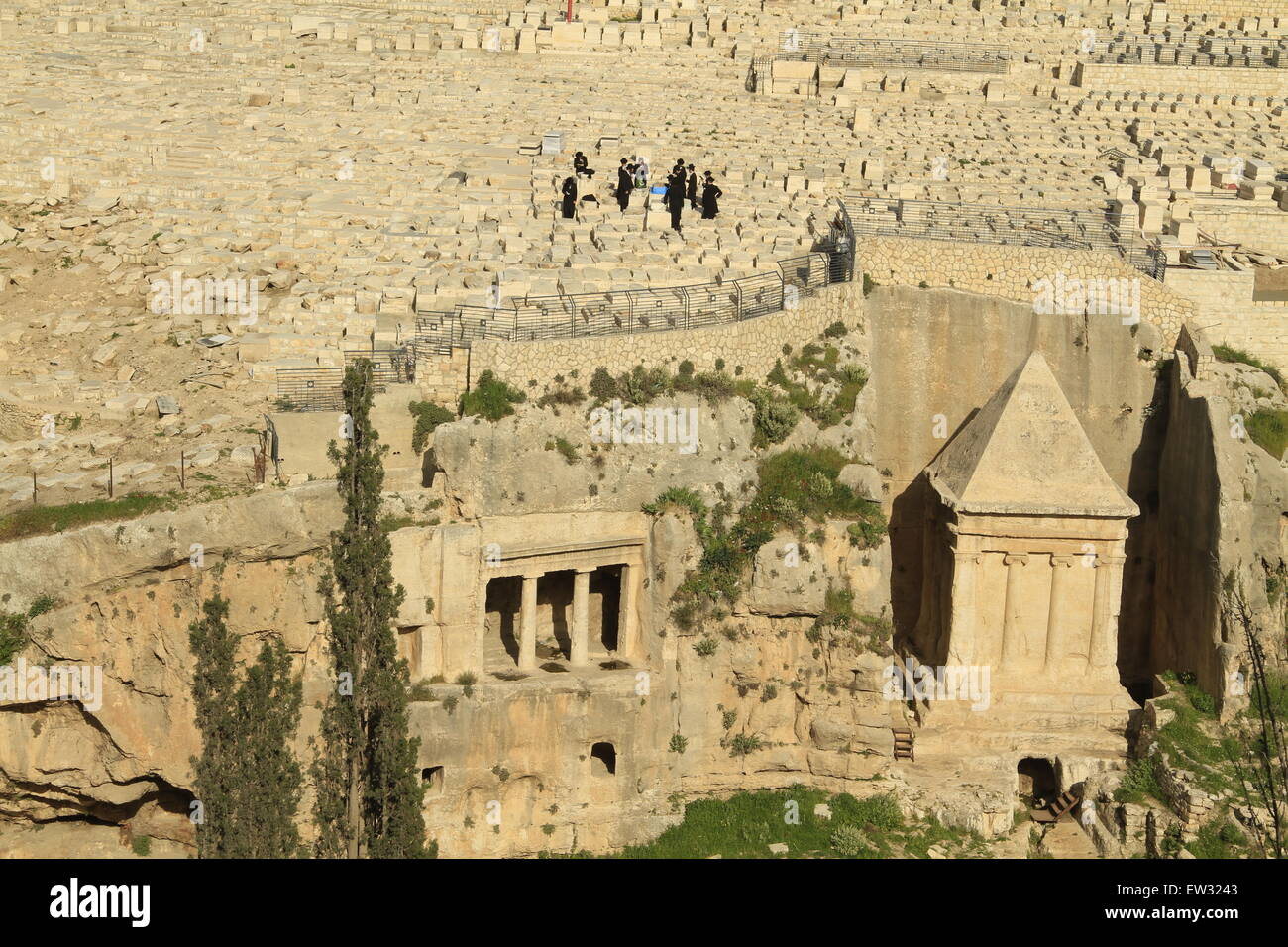 Israel, Jerusalem, Kidron valley, the tombs of Zecharia (right) and Bene Hazir (left) are carved at the foot of - Stock Image