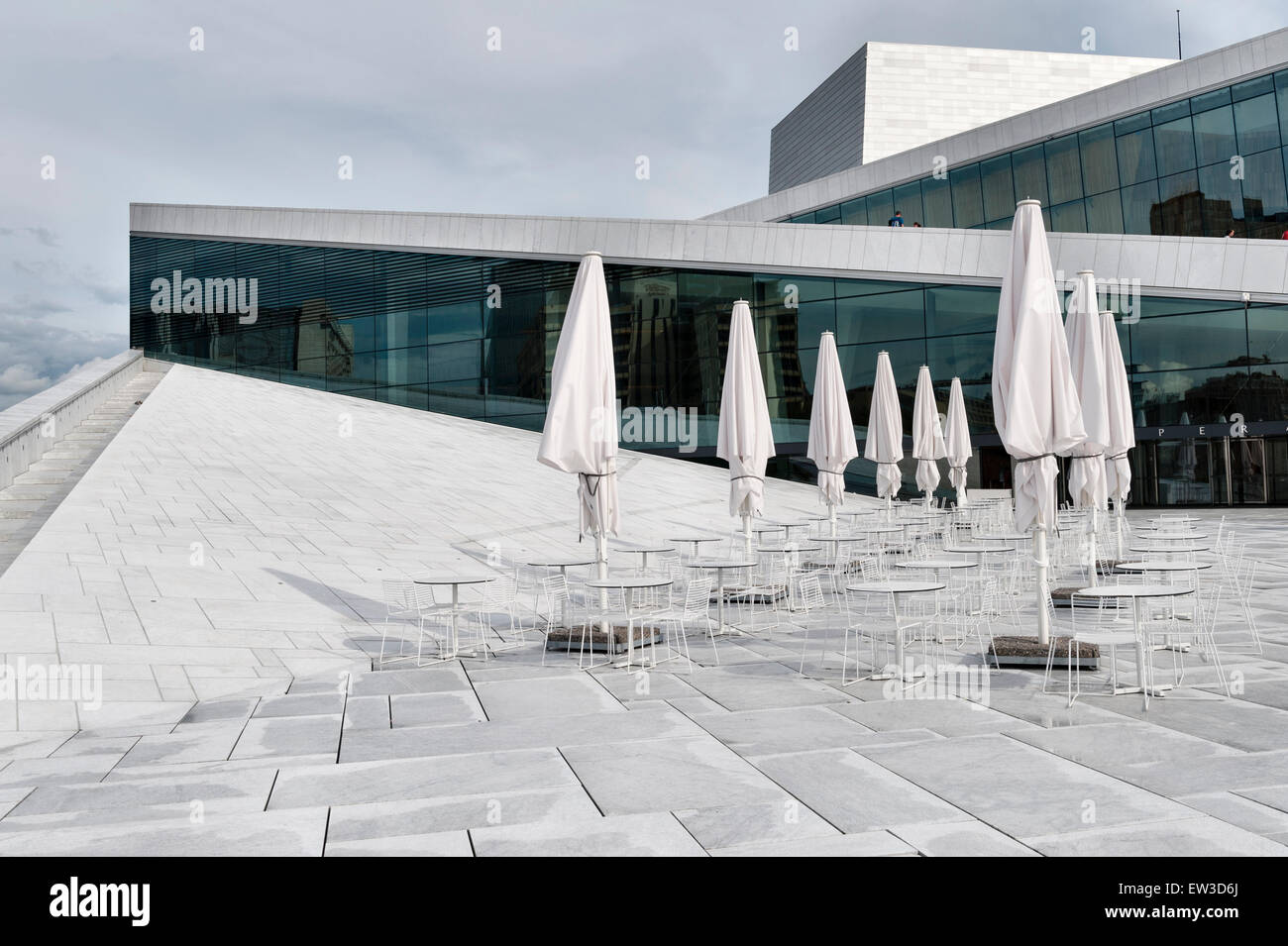 The Oslo Opera House (Operahuset), Oslo, Norway. Designed by the Norwegian architects Snohetta and opened in 2008 - Stock Image
