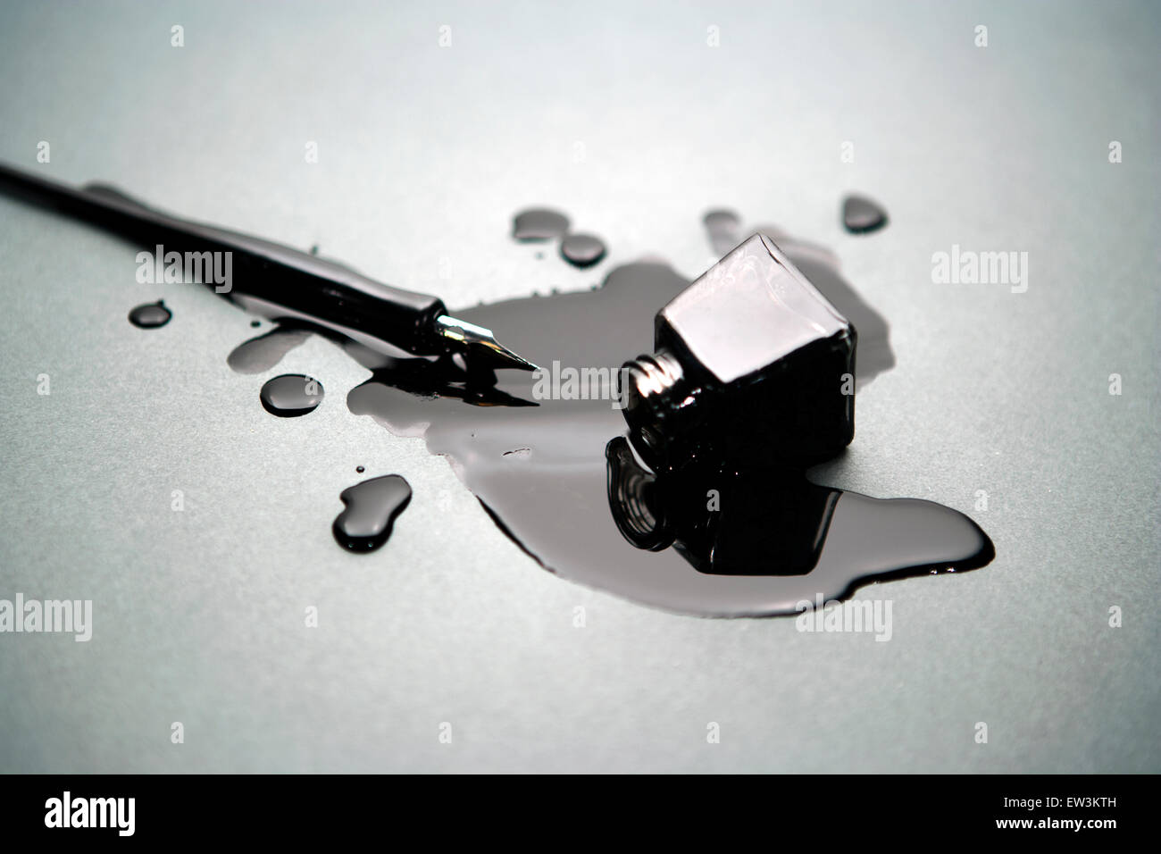 Ink Bottle Spill High Resolution Stock Photography and Images - Alamy