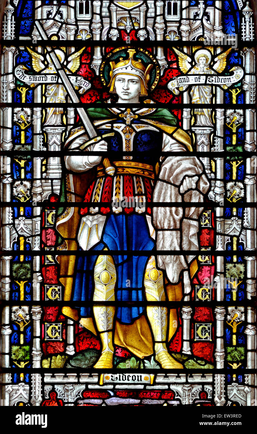 Norwich, Norfolk, England. Norwich Cathedral (1096-1145) Stained glass window showing Gideon.  c1902 - Stock Image