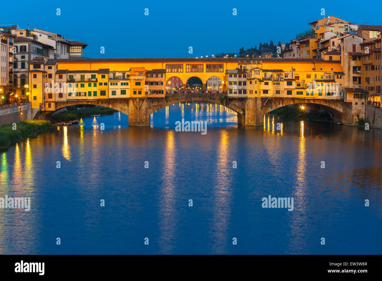 Arno and Ponte Vecchio at night, Florence, Italy - Stock Image