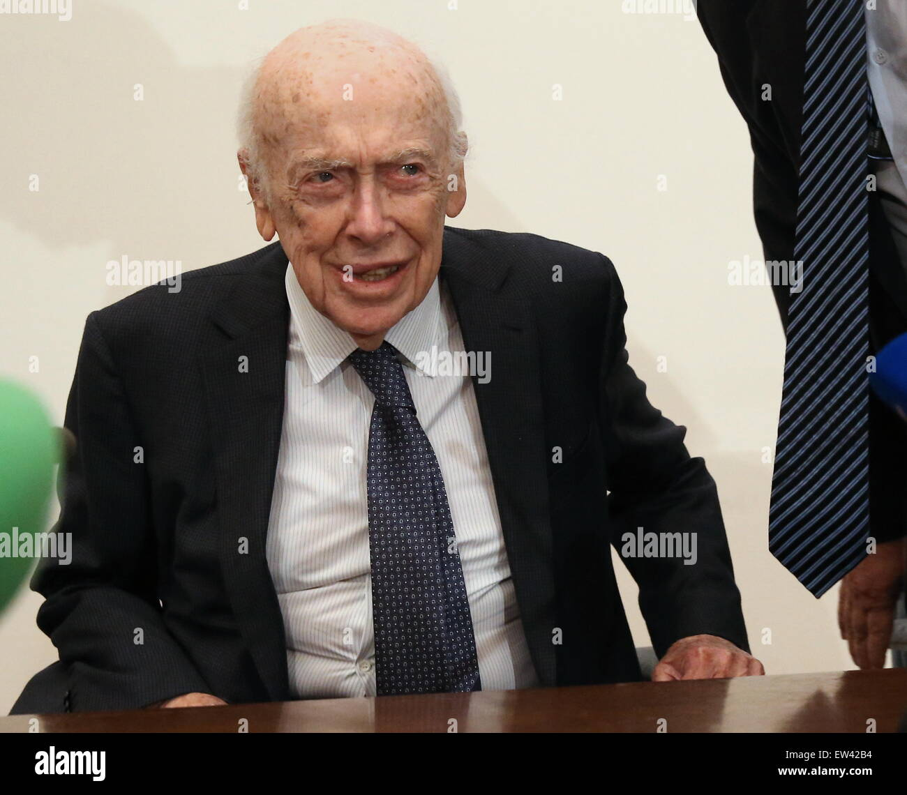 Moscow, Russia. 17th June, 2015. American molecular biologist, geneticist and zoologist James Watson, laureate of - Stock Image