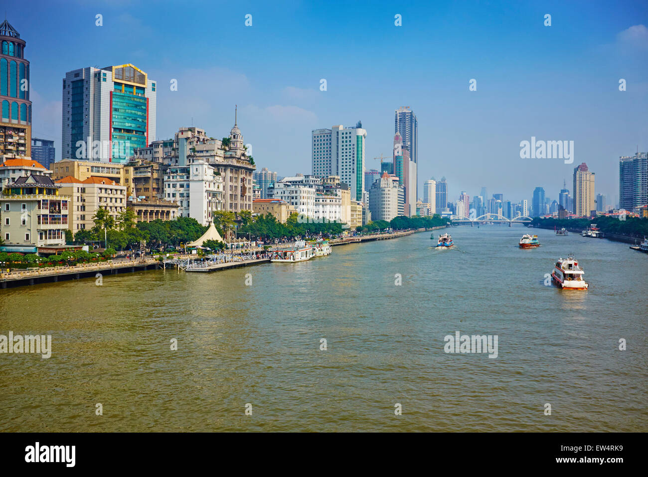 China, Guangdong province, Guangzhou or Canton, city center, the pearl river or Zhujiang river - Stock Image