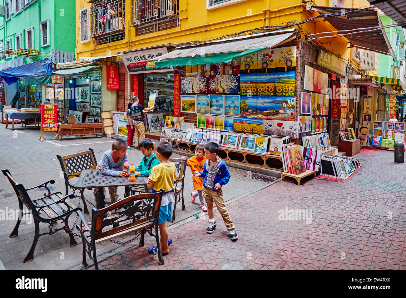 China, Guangdong province, Shenzhen, Dafen oil painting village, Dafen Village is one of the largest production - Stock Image