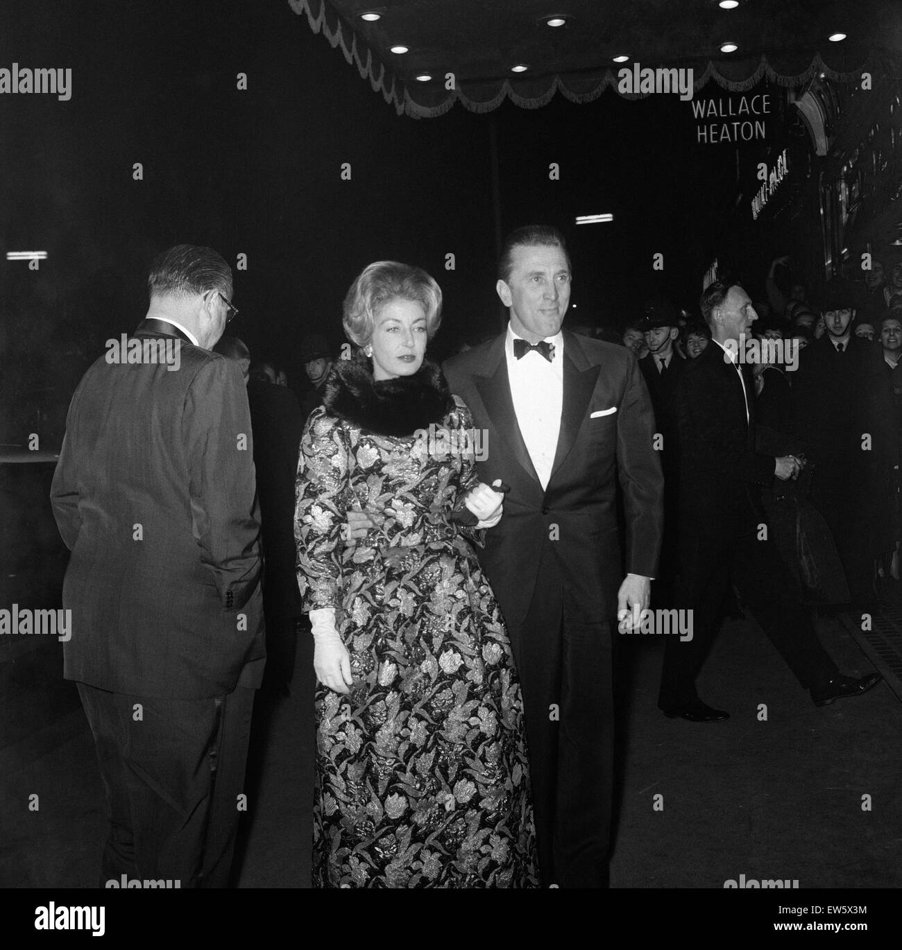 Kirk Douglas and his wife Anne attend the premiere of 'Spartacus' held at the Metropole Cinema, Victoria. - Stock Image