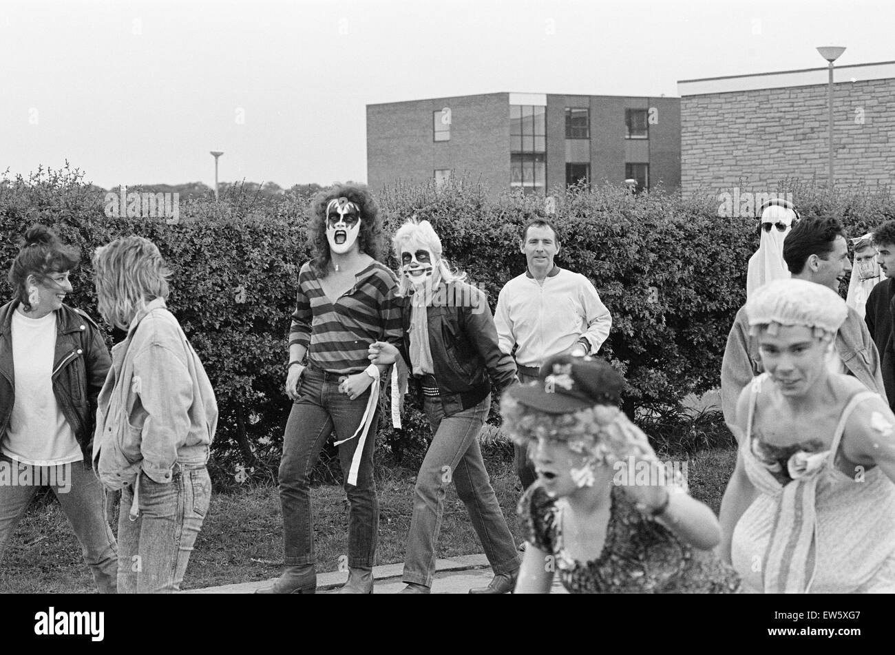 Students from St Mary's Sixth Form College, Middlesbrough, take part in fun run, 11th May 1987. - Stock Image