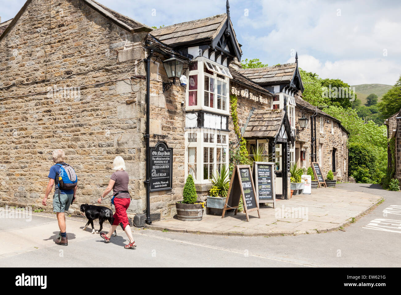The Old Nag's Head pub, at the start of the Pennine Way, Edale, Derbyshire, England, UK - Stock Image