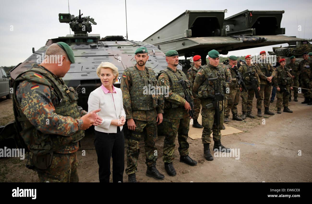 German Defence Minister Ursula von der Leyen speaks German soldiers taking part in the first 'Noble Jump' - Stock Image