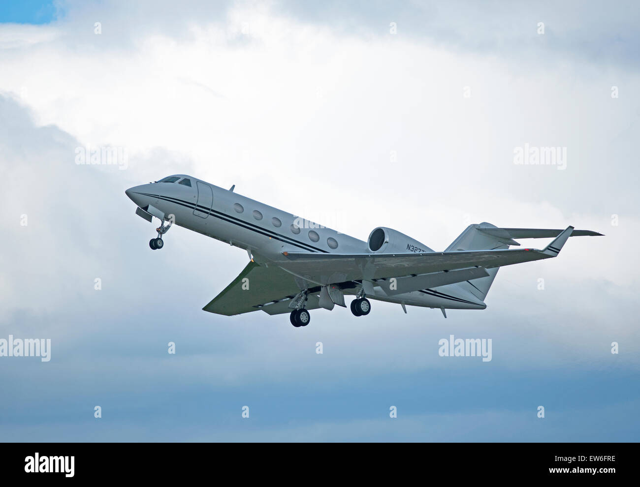 Gulfstream Aerospace G-IV Gulfstream IV-SP leaving Inverness airport, Scotland.   SCO 9895. - Stock Image