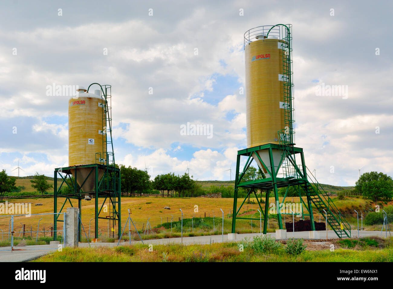 Small grain silos for local storage of livestock feed