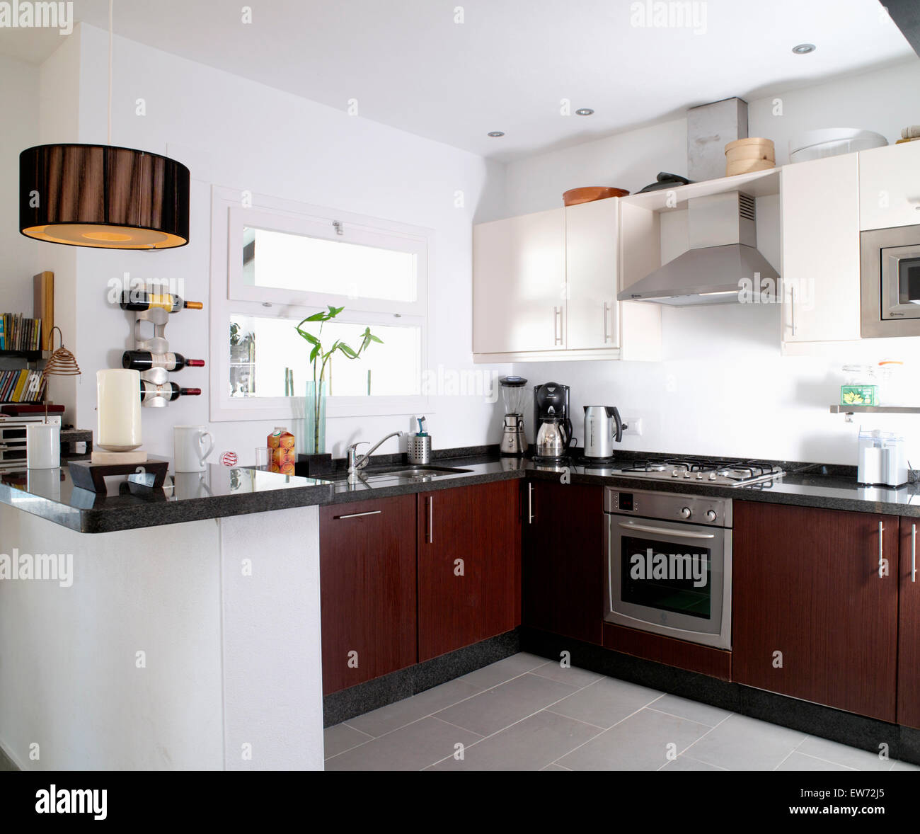 Small Kitchen Units Stock Photos & Small Kitchen Units