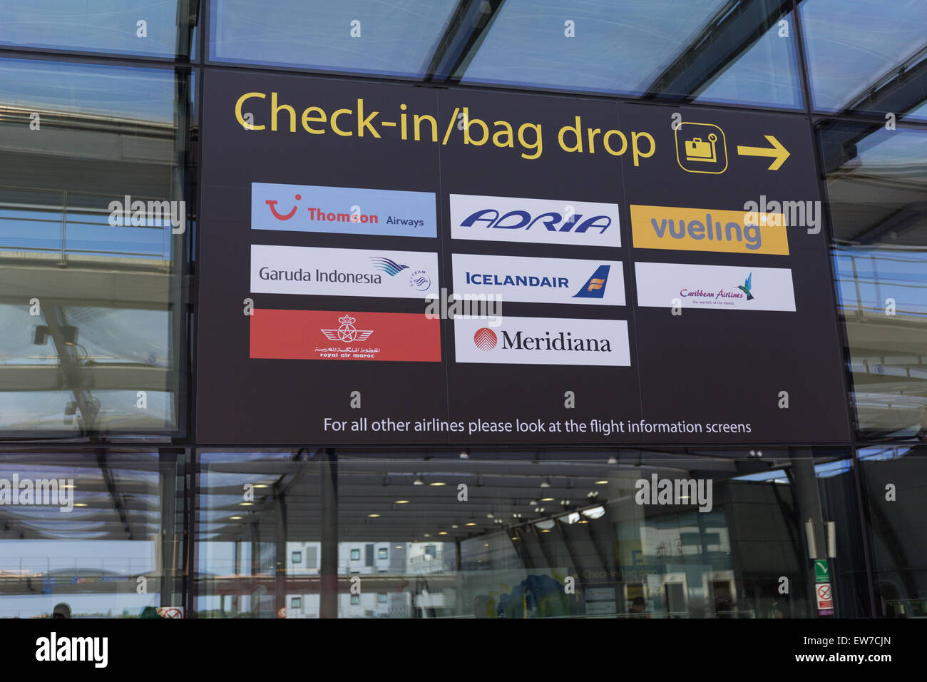 London Gatwick Airport North Terminal Departure Zone Stock Photo Alamy
