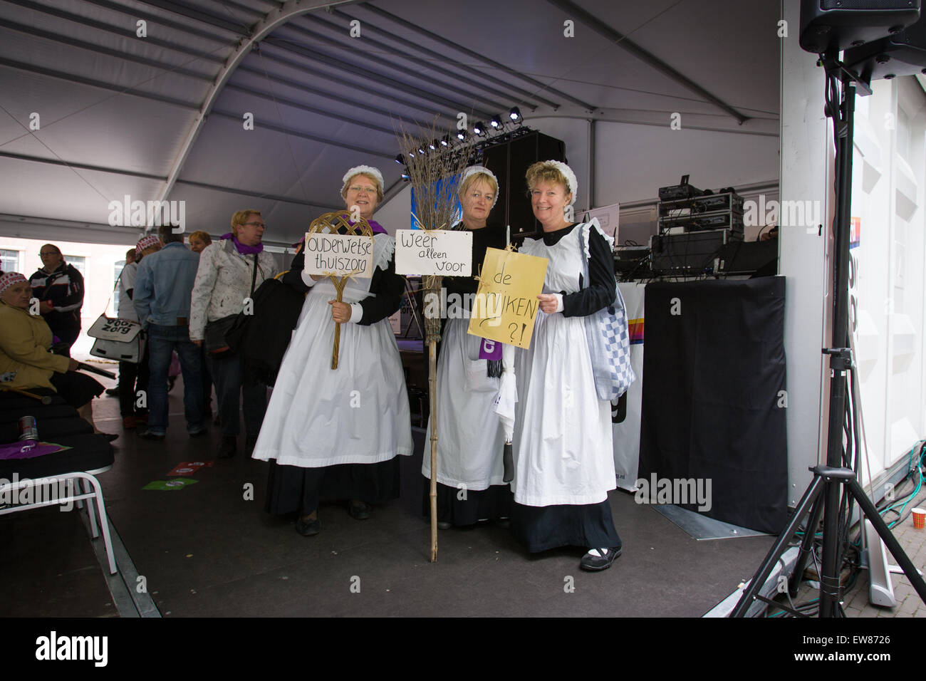 The Hague, Netherlands. 19th June, 2015. On Friday several hundred people gathered near parliament to hand over Stock Photo
