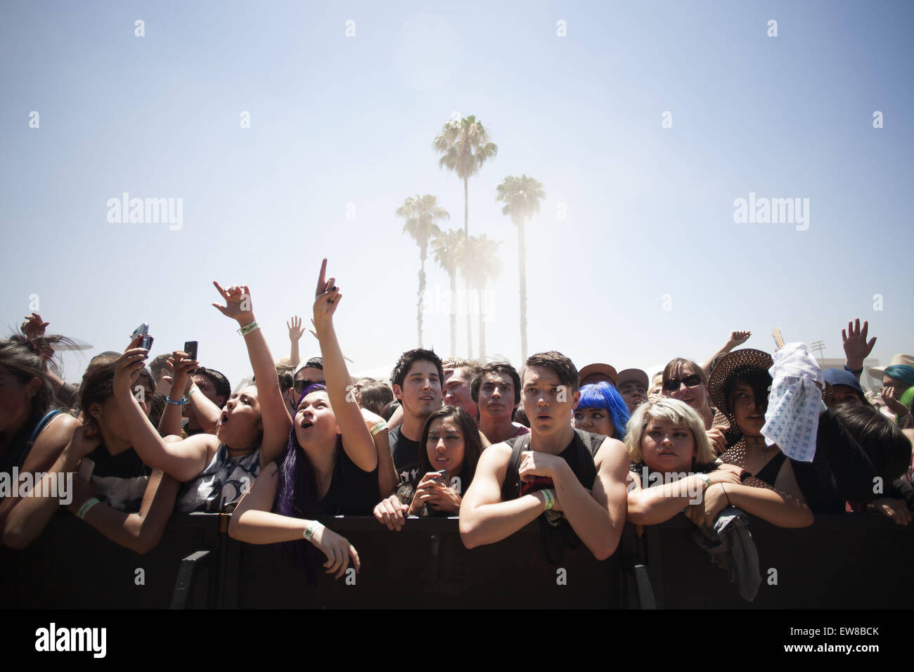 Pomona, California, USA. June 19th, 2015. The crowd watches as the band Beartooth performs on the Shark stage during - Stock Image