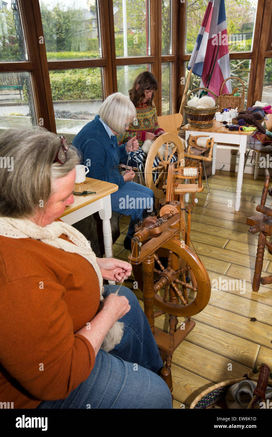 Ireland, Co Wexford, Enniscorthy, National 1798 Rebellion Centre, the 1798 spinners spinning wool in cafe - Stock Image