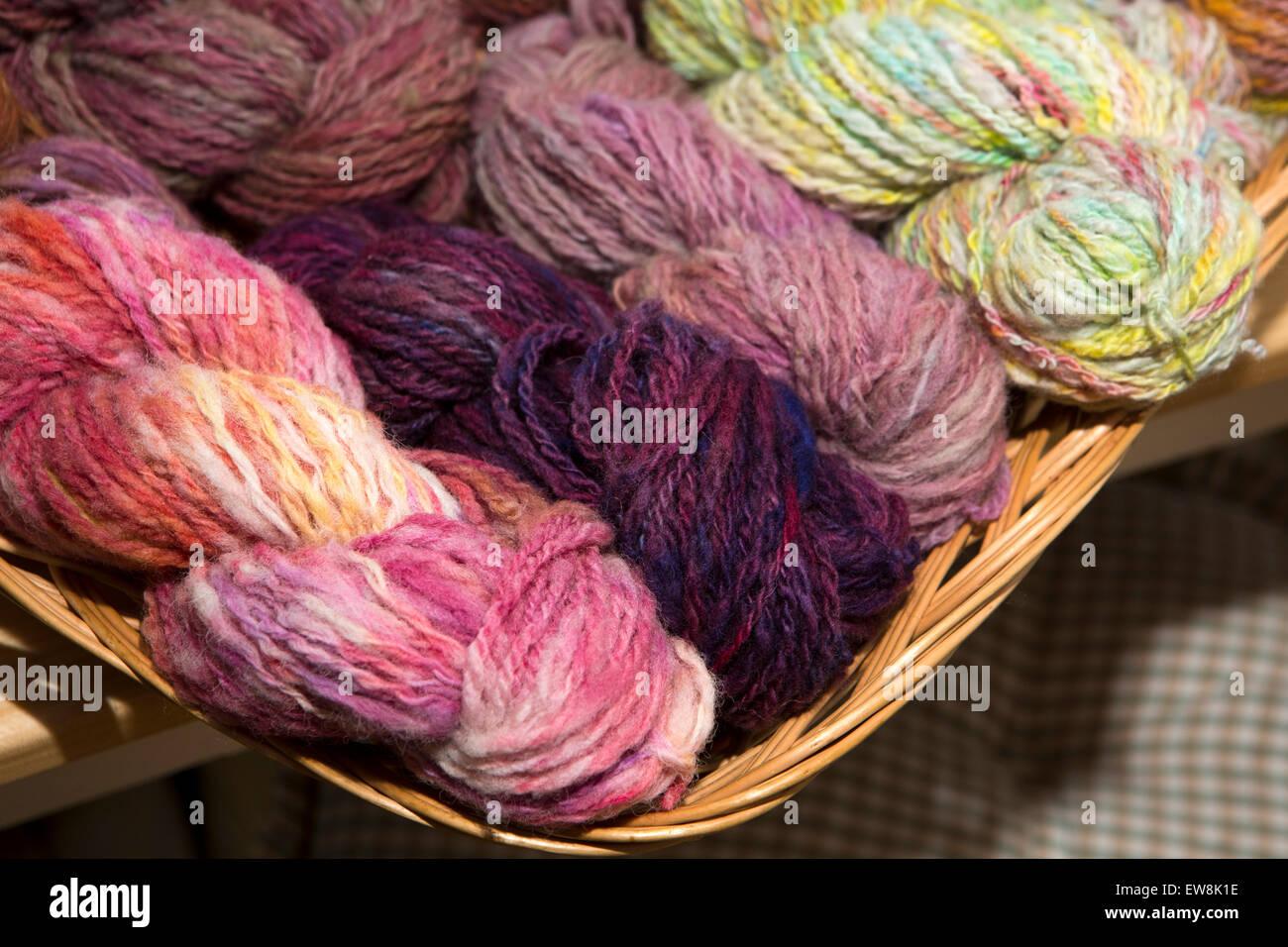 Ireland, Co Wexford, Enniscorthy, National 1798 Rebellion Centre, hand spun and dyed woollen yarn - Stock Image