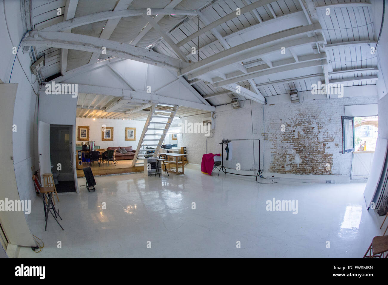 Loft Shabby Chic.A Cool Apartment Loft Dwelling In Central London Shabby