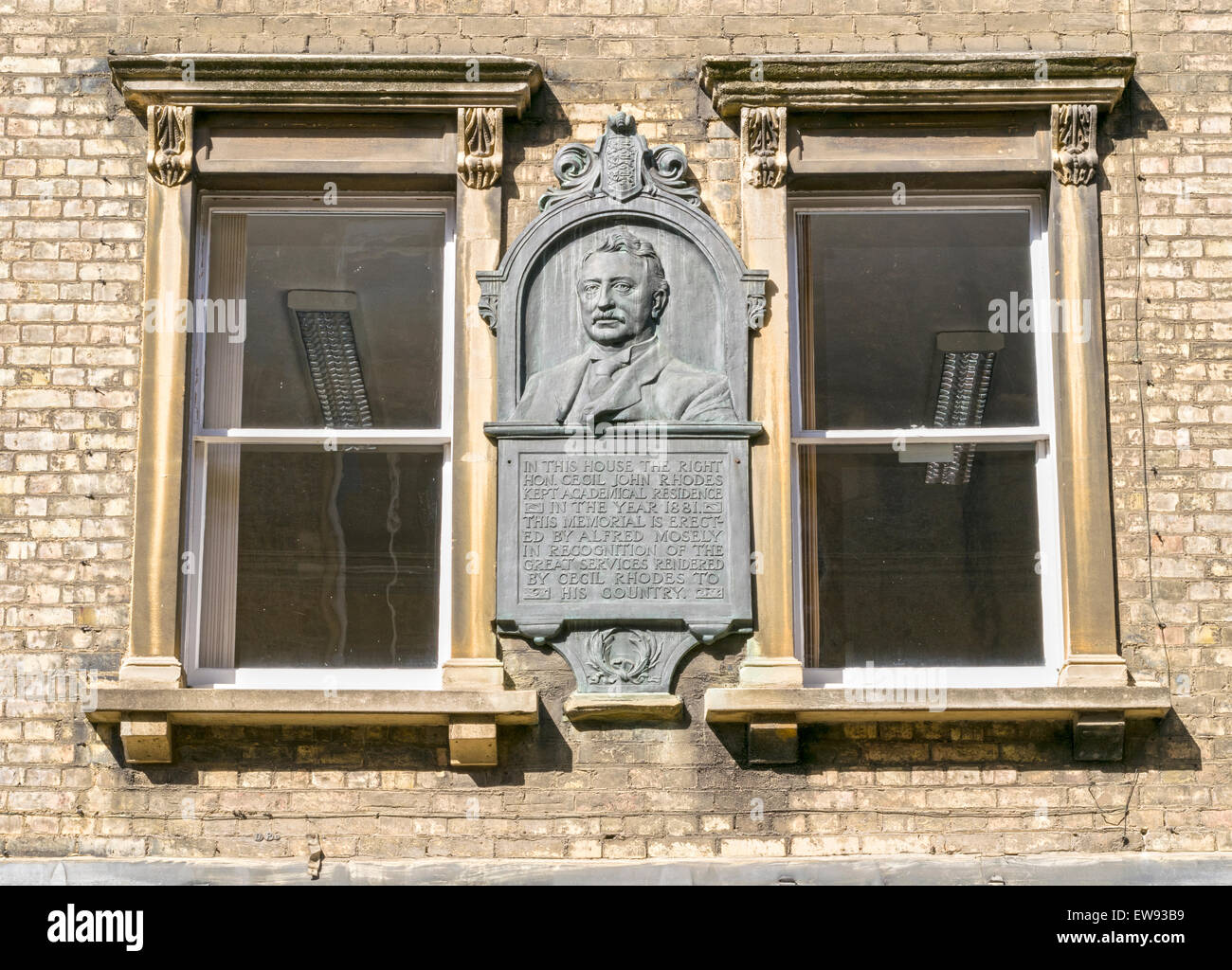 OXFORD CITY PLAQUE TO CECIL RHODES IN KING EDWARD STREET - Stock Image