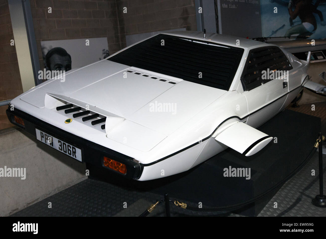 Lotus Esprit (The Spy Who Loved Me) front-left National Motor Museum, Beaulieu - Stock Image
