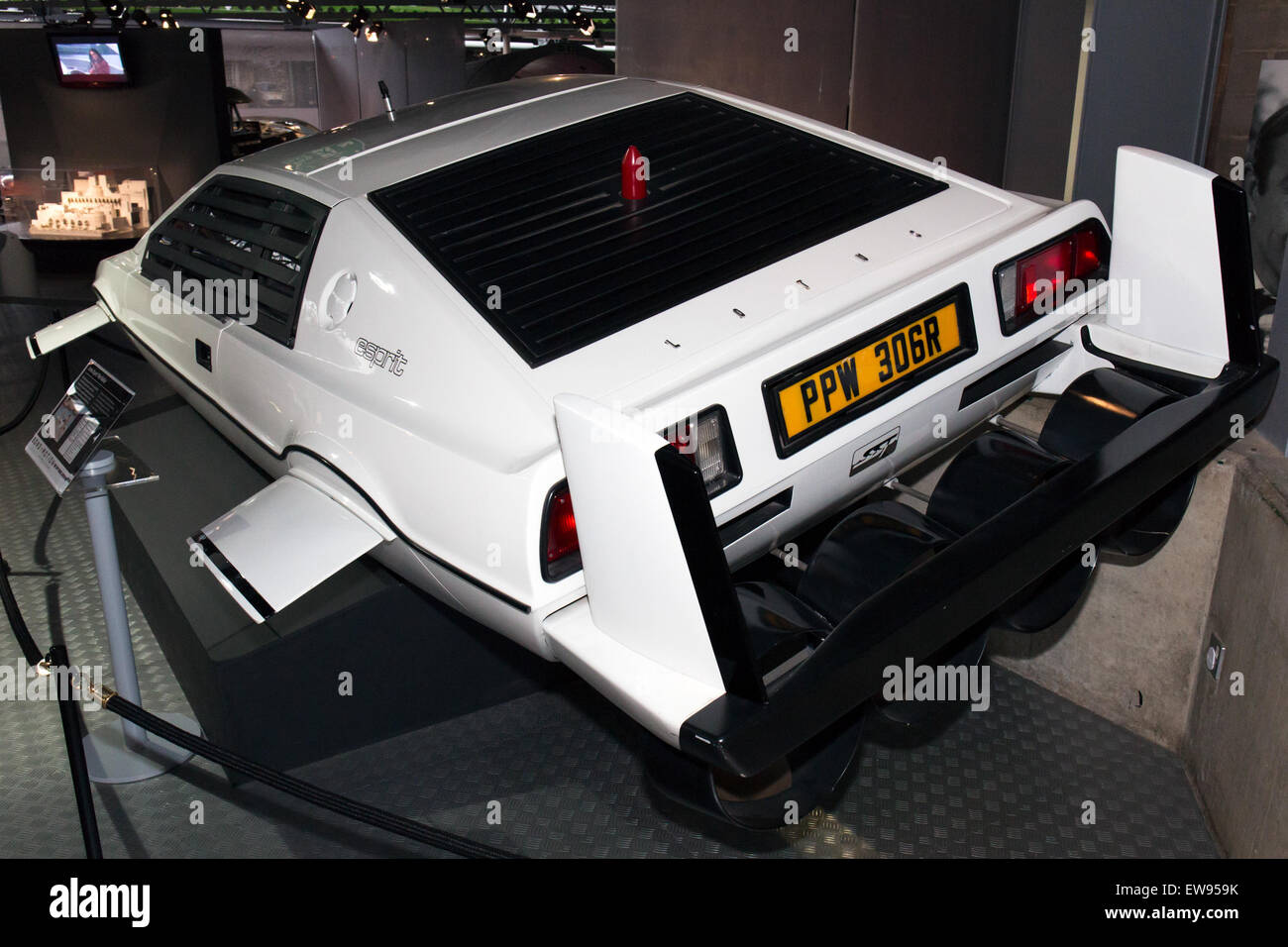 Lotus Esprit (The Spy Who Loved Me) rear-left National Motor Museum, Beaulieu - Stock Image