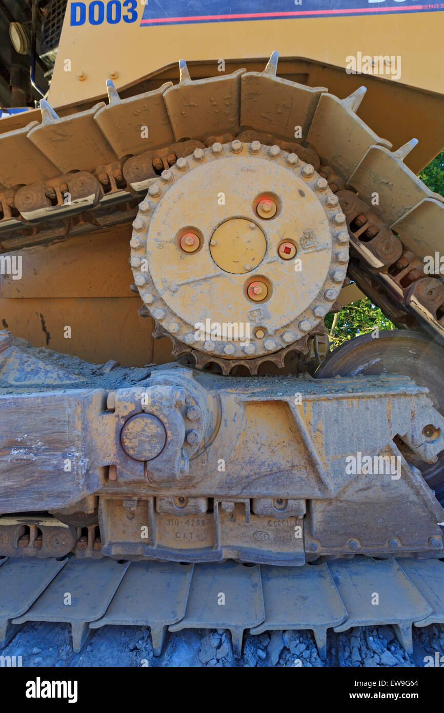 Close-up of bulldozer track mechanism, Nanaimo, Vancouver Island, British Columbia - Stock Image