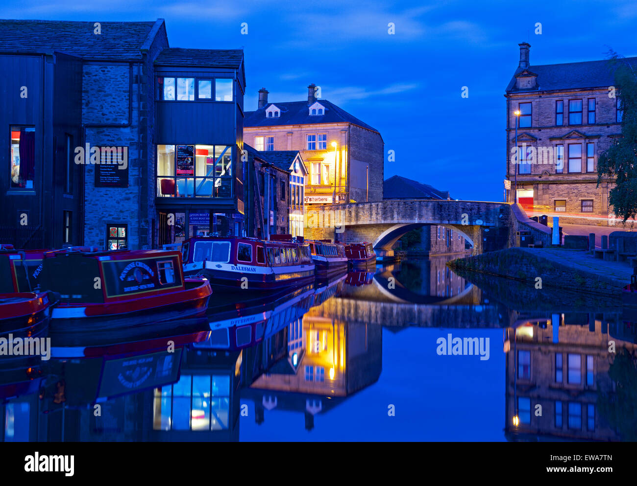 The Leeds and Liverpool Canal at night, Skipton, North Yorkshire, England UK - Stock Image