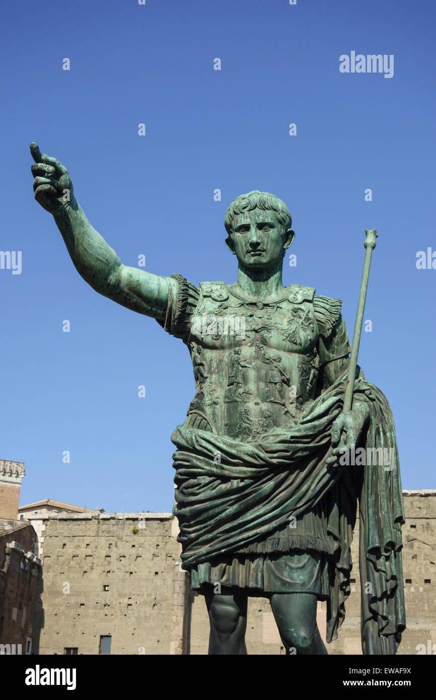 Statue of Roman Emperor Augustus on the via dei Fori Imperiali Rome Italy Stock Photo