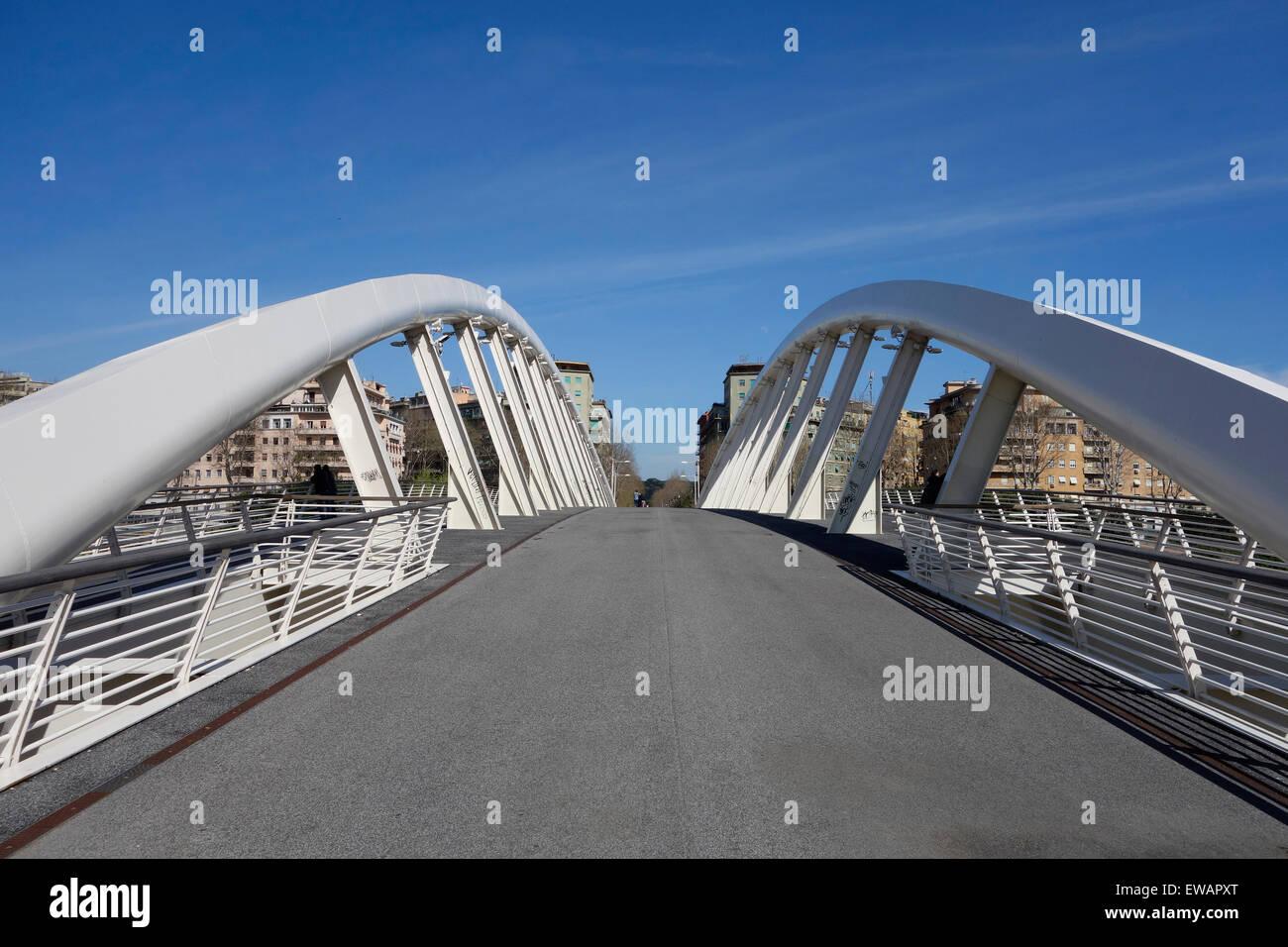 Ponte della Musica is a bridge spanning the river Tiber and connecting the rione of Della Vittoria and Flaminio Stock Photo