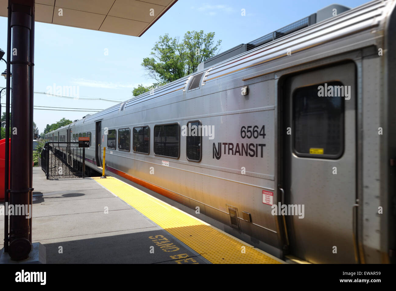 Transit Train Wagon Passing Plauderville Train Station In Garfield Stock Photo Alamy