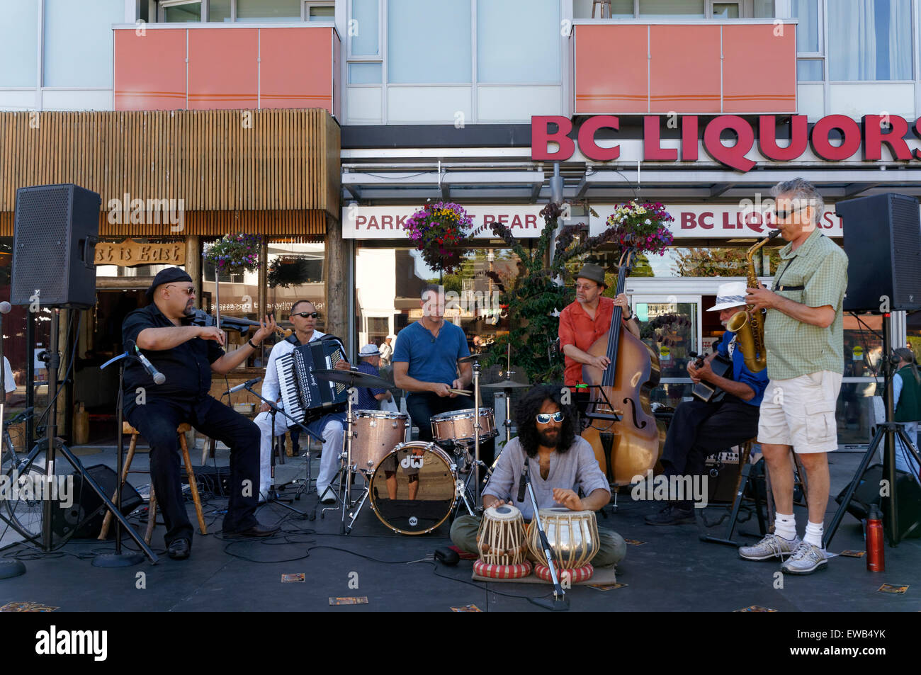 A jazz group performs at at the annual Car Free Day Festival on Main Street in Vancouver, British Columbia - Stock Image
