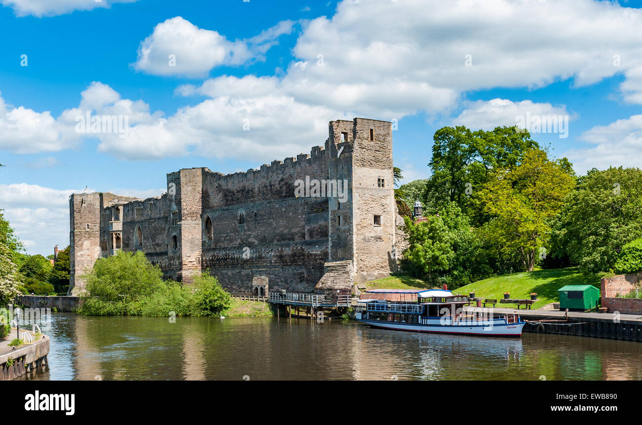 The Castle and River Trent; Newark-on-Trent, Nottinghamshire, England - Stock Image