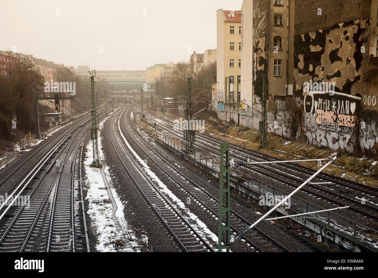 Railway tracks, Prenzlauer Berg, Berlin, Germany - Stock Image