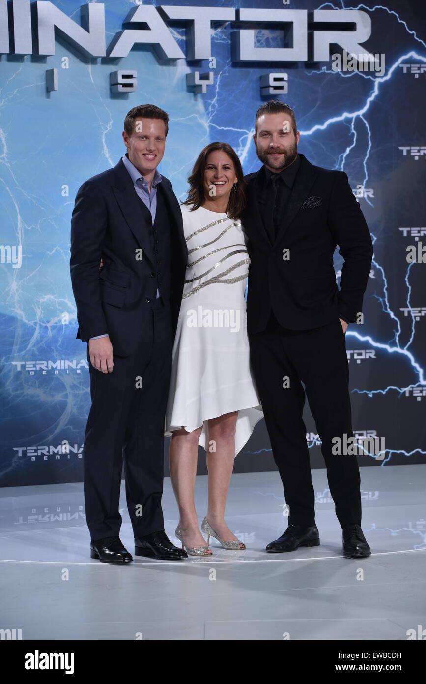 Berlin, Germany. 21st June, 2015. David Ellison, Dana Goldberg and Australian actor Jai Courtney attend the Premiere Stock Photo