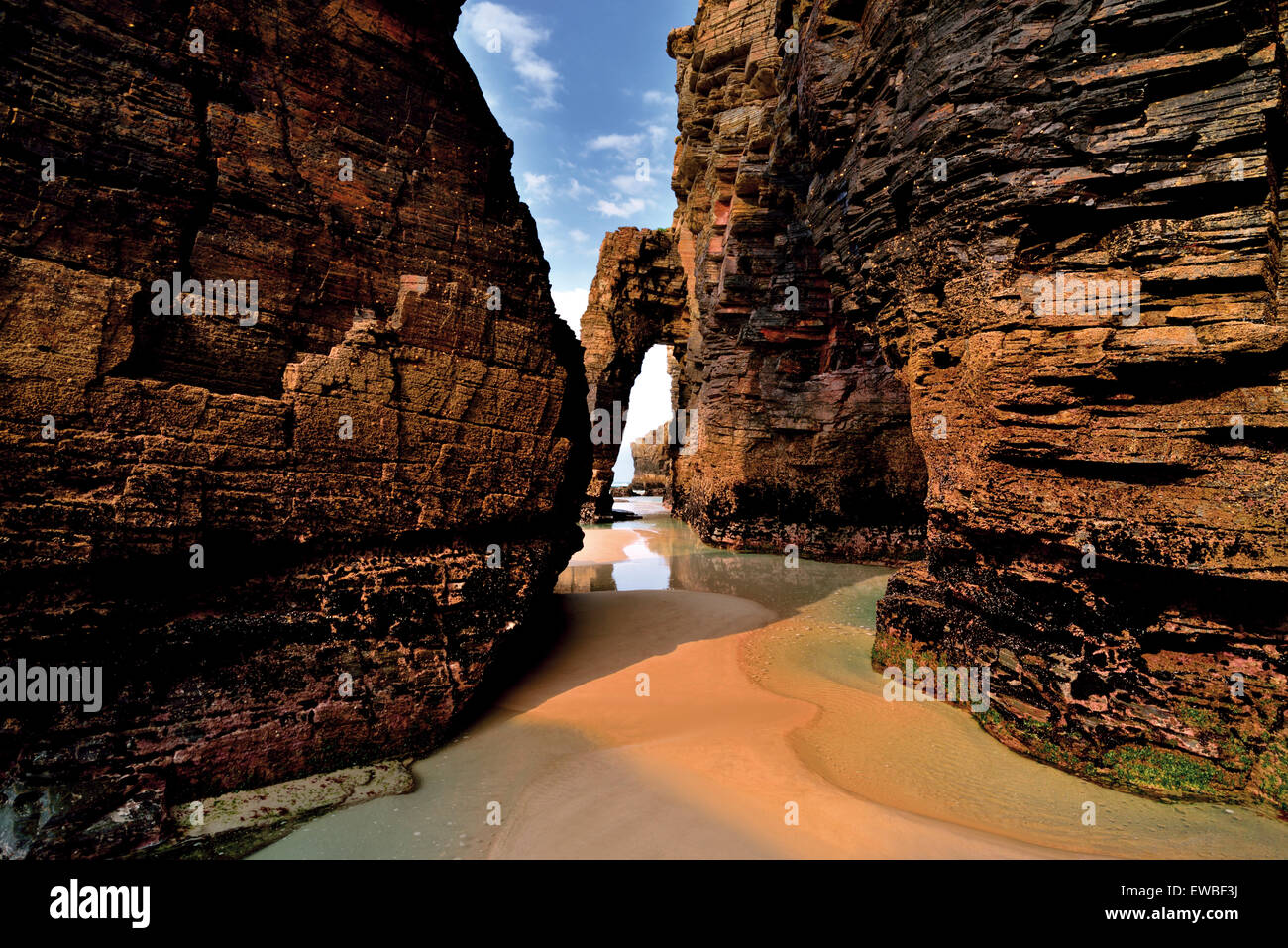 Spain, Galicia. Impressing rock formations at Praia As Catedrais - Stock Image