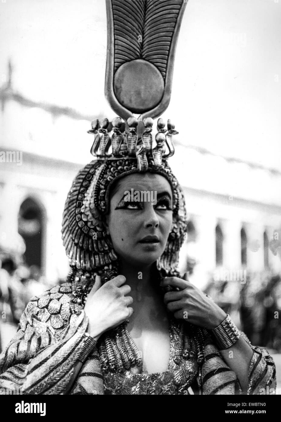 liz taylor in cleopatra,1962 - Stock Image