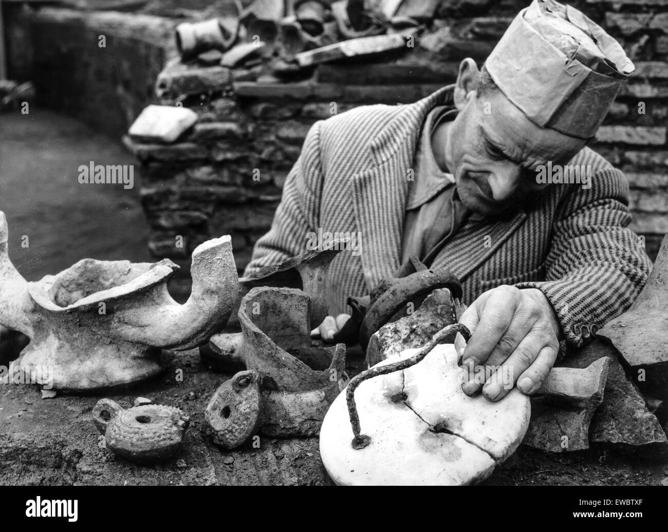 Archaeological excavations in the ludus magnus the colosseum,rome,1960 - Stock Image