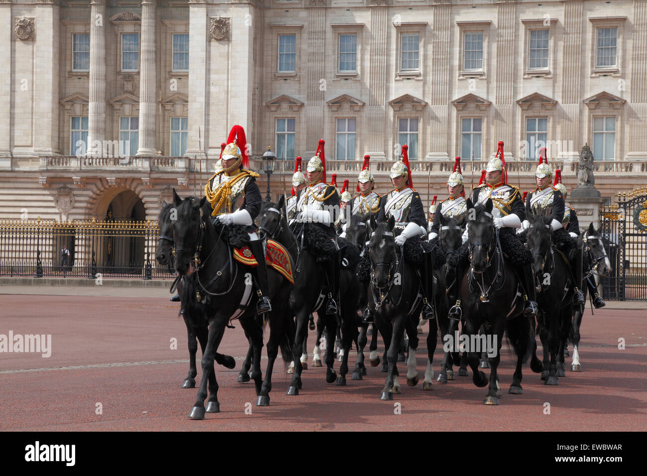 Mounted Cavalry at Buckingham Palace in London - Stock Image